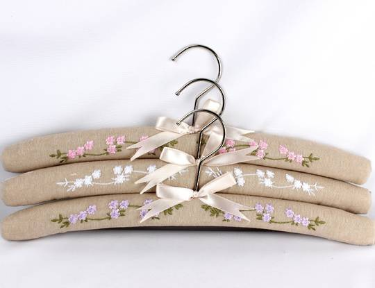 Printed padded coat hangers-set of 3 'Garden Linen' Code:EH-GAR/LIN