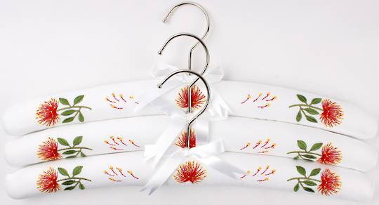 Printed padded coat hangers-set of 3 'Pohutakawa' Code:EH/POH