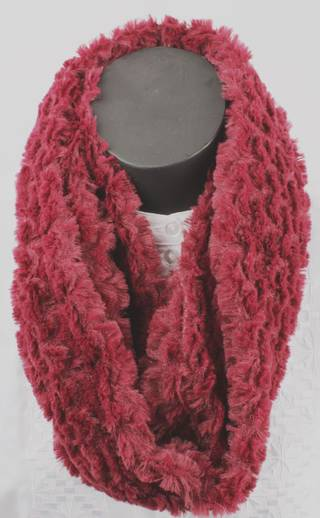 Astrakan snood berry Style: SC/4176