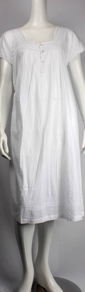 Cotton cap sleeve 3/4 length nightie w lace, pintucks and buttons  Style: AL/ND-209WHT