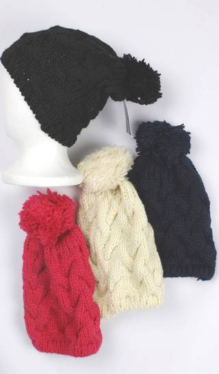 Beanie pack of 12 cable knit w pompom Style: HS/4230