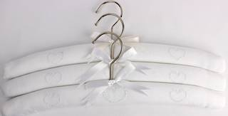 Embroidered coat hangers-set of 3 'Heart' Code:EH/HEA