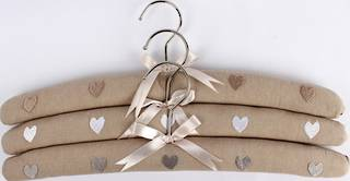 Embroidered coat hangers-set of 3 hearts linen Code:EH/HEA LINEN.